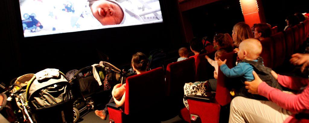 Kino v plenicah. Za starše z dojenčki.