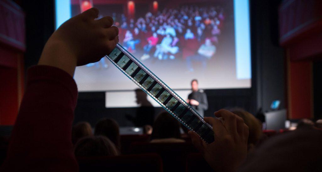 Kinodvorov šolski program prek spleta