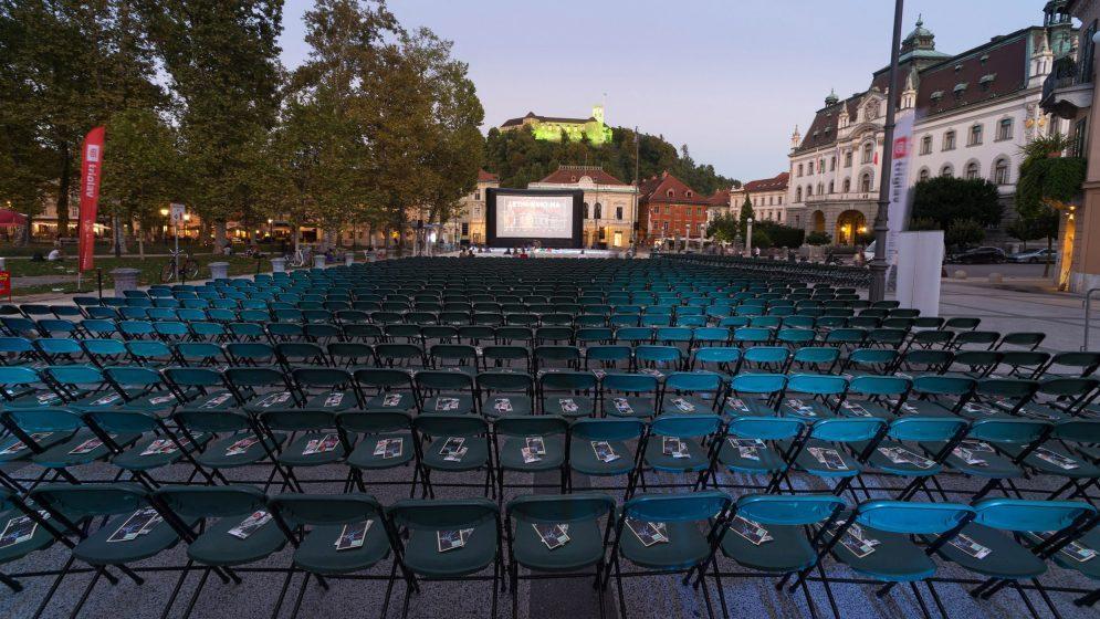 Letni kino na Kongresnem trgu