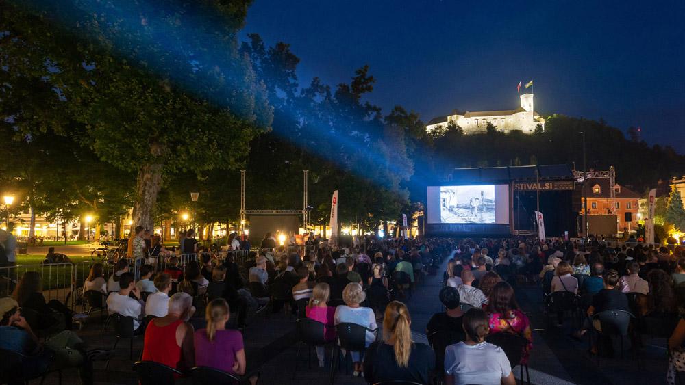 Letni Kinodvor na Kongresnem trgu
