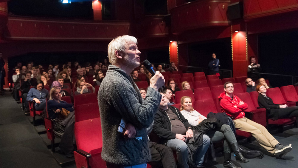 Pogovor z Alexandrom Paynom, režiserjem filma Krčenje