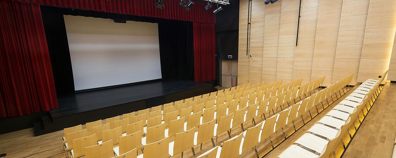 Kinodvor in Center Zalog