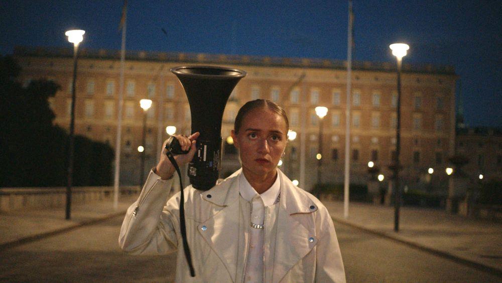 Zaključni film letošnjega Kinotripa je navdihujoč dokumentarec o mladi glasbenici Silvani
