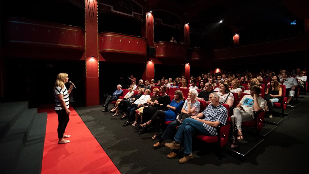 Utrinki s premiere filma Najlepša dežela na svetu