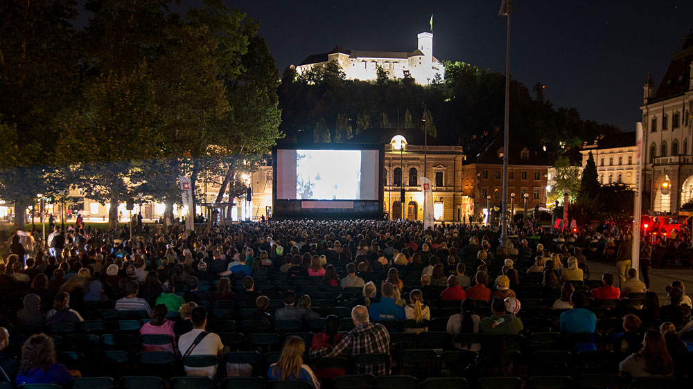 Na Filmu pod zvezdami razprodanih kar devet projekcij; prihaja Letni Kinodvor na Kongresnem trgu