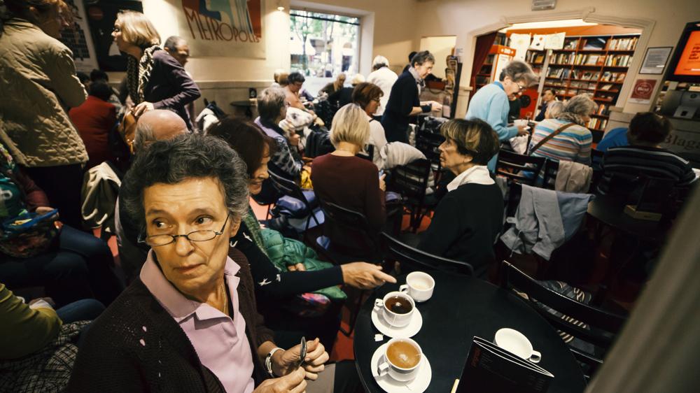 Filmska srečanja ob kavi: posnetek pogovora ob filmu Bojevnica