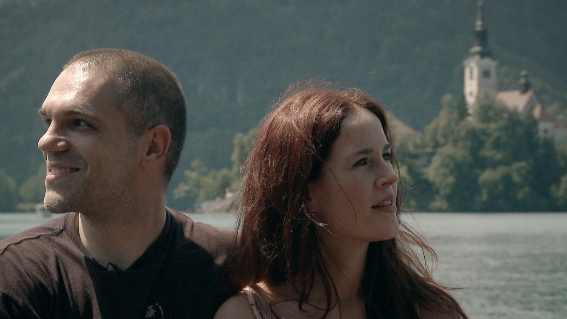 Filmska srečanja ob kavi: posnetek pogovora ob projekciji filma Dolge počitnice