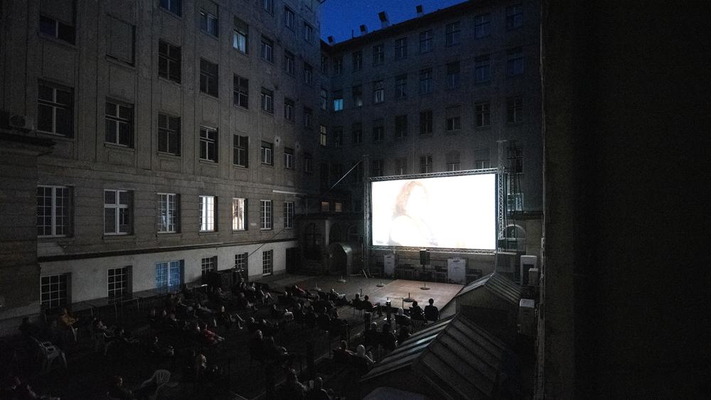 Kinodvorišče: Hči Camorre