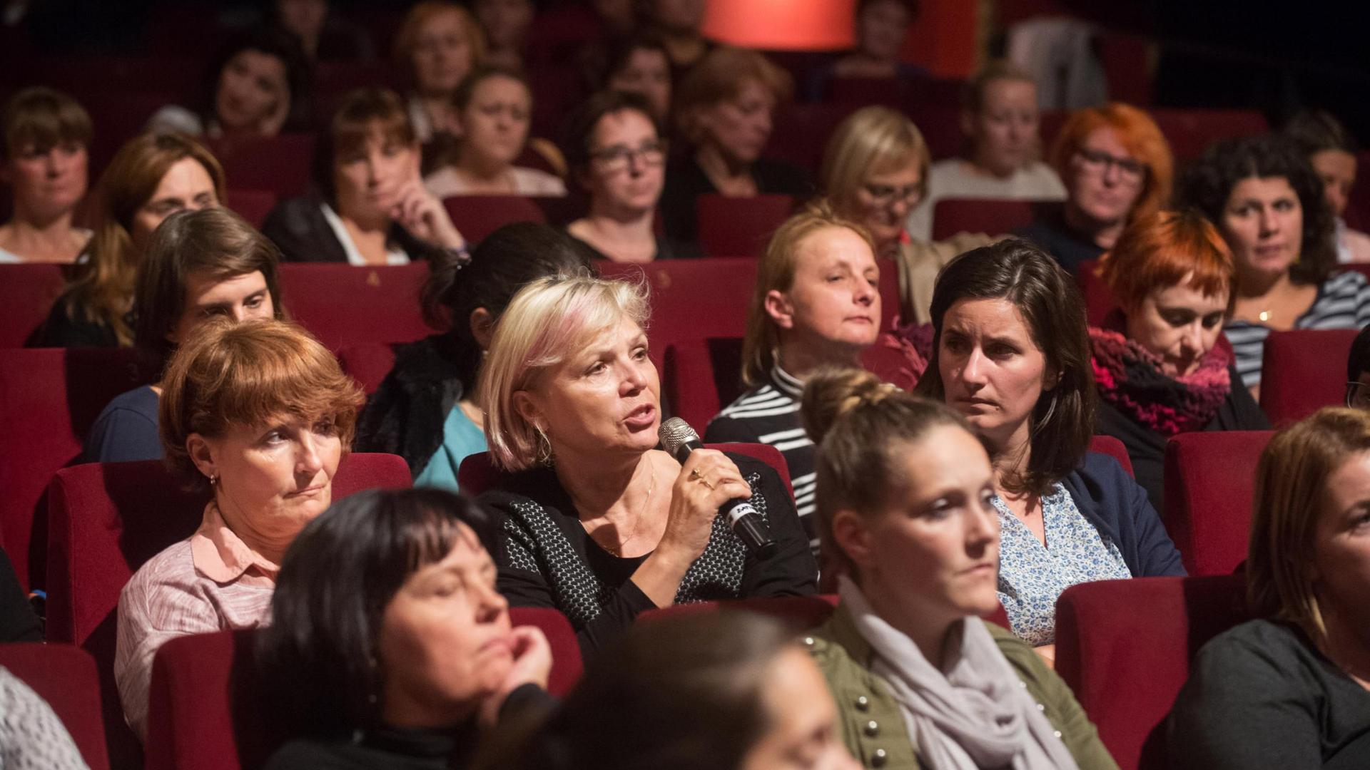 Ogledi filmov za pedagoške kolektive